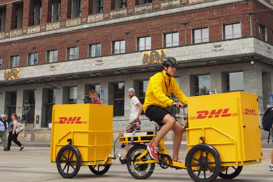 Ruller raskt ut småpakker med sykkel