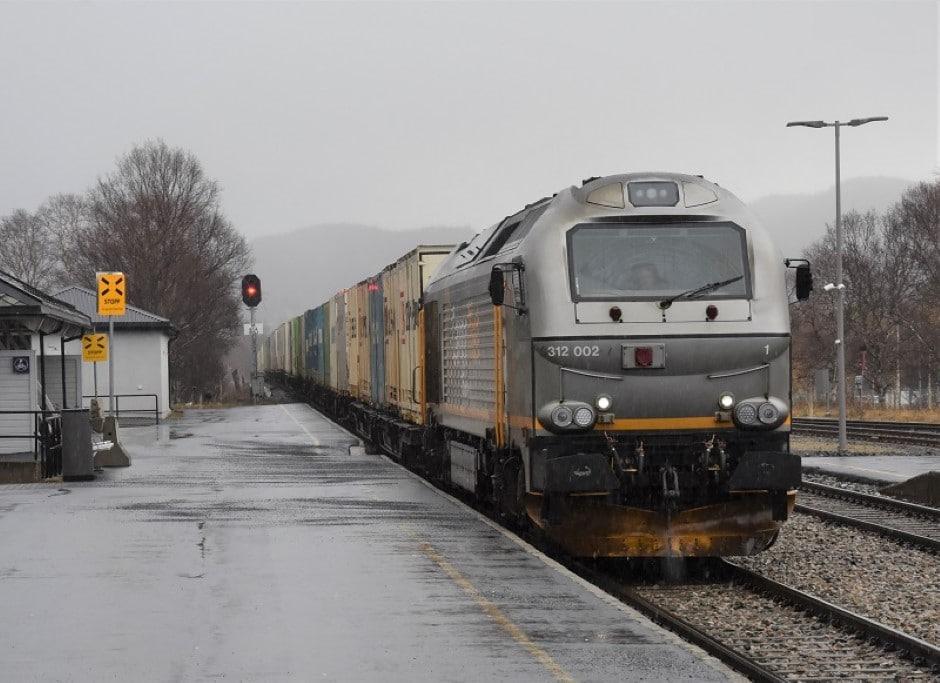 Tilrår å vurdere samfunnsnytte ved prioritering av togruter