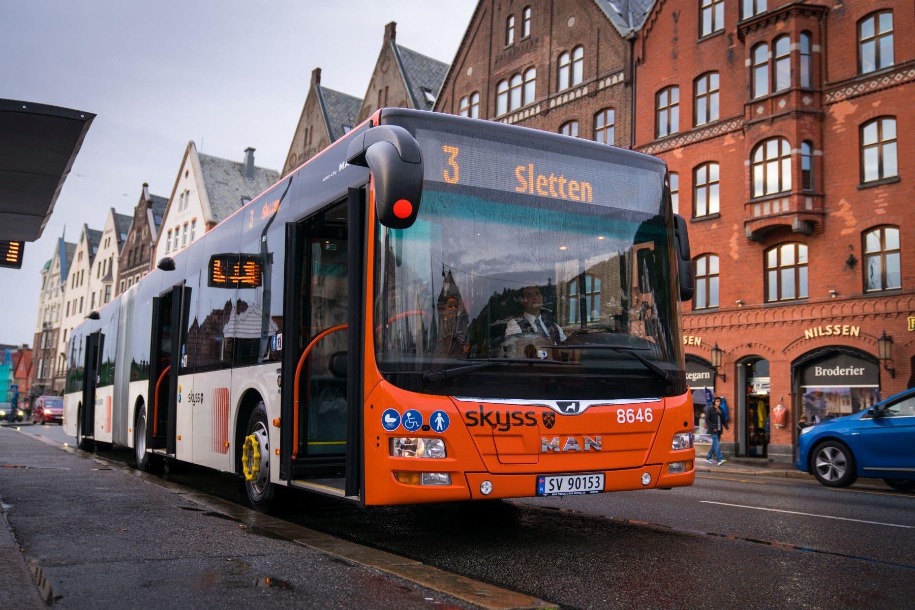 Bussjåfører slipper påbud om munnbind under kjøring