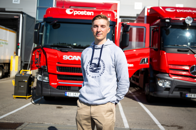 Ole-André kjører historiens første el-lastebil fra Oslo til Tromsø